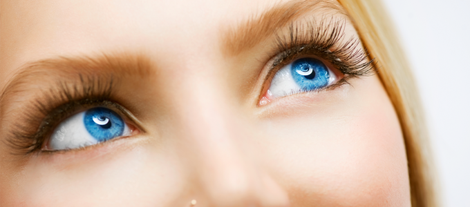 Ögonfransserum för skadade ögonfransar.